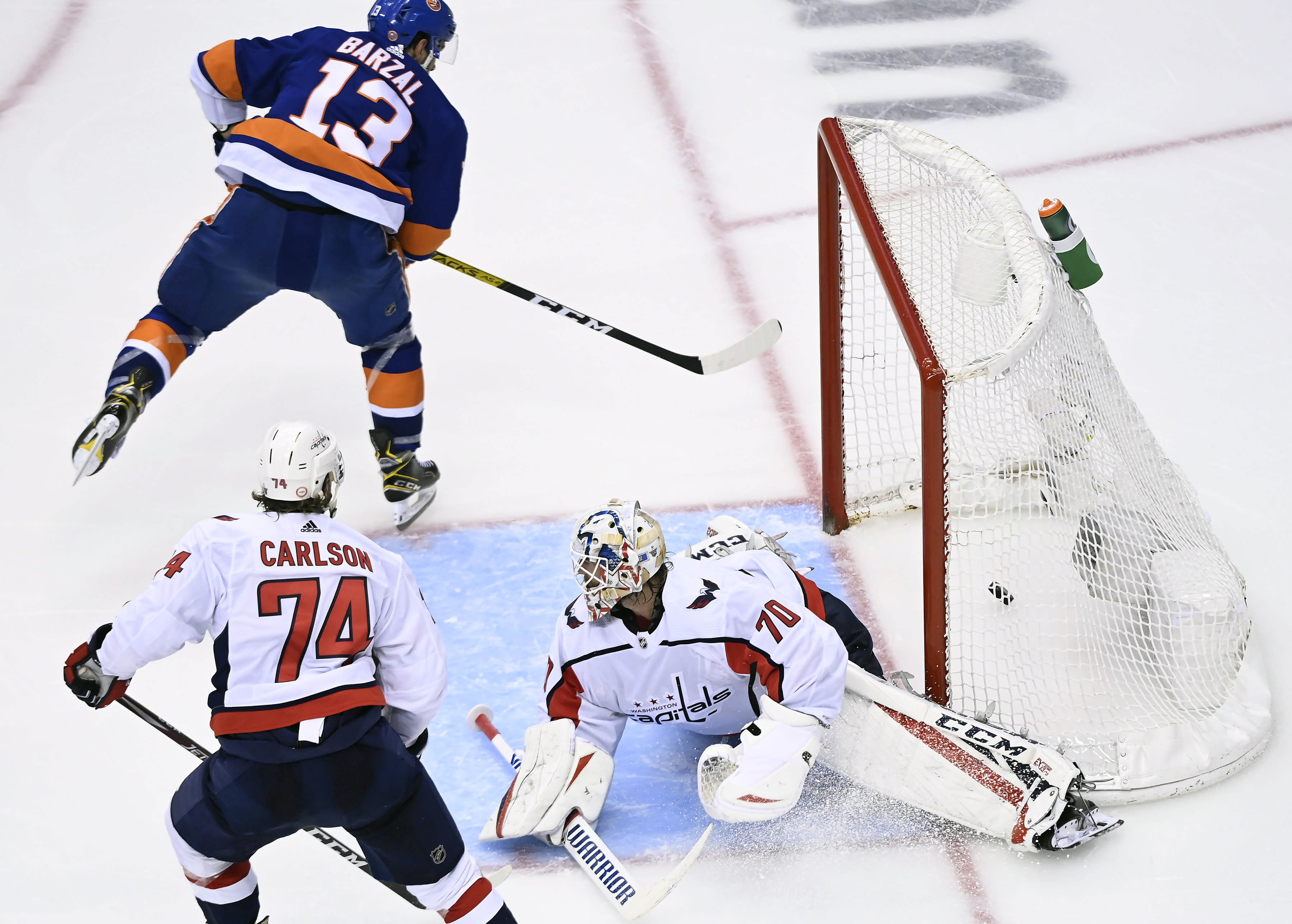 Alex Ovechkin's two goals help Capitals avoid sweep vs. Islanders