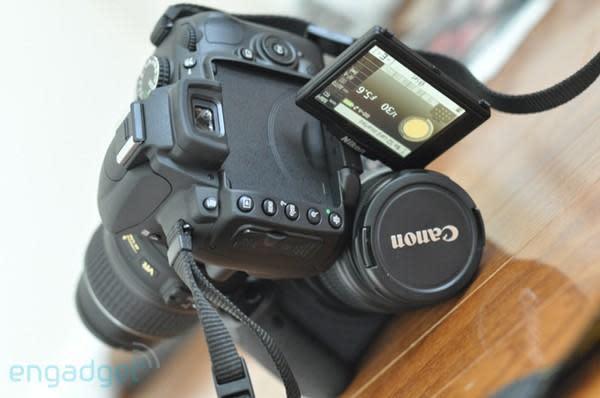 Canon EOS Rebel T1i vs. Nikon D5000... fight!