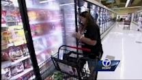 Healthbeat-Nuts or Normal: Shopping while hungry
