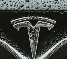 Tesla's Long-Term Prospects Remain Positive While Automakers Turn To Ventilators