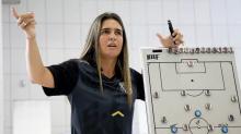 Emily Lima e Tatiele Silveira: as únicas treinadoras da elite do Brasileiro
