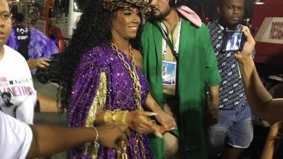 Rainha da Mangueira não irá sambar durante desfile