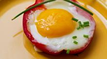 Bake Your Eggs in a Tomato to Surprise Your Guests at Brunch