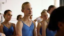 Cercado de polêmicas, filme sobre bailarina trans está na Netflix