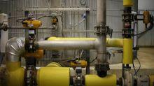 U.S. ethanol producers seek pricing reform as markets plunge, ADM sells