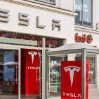 Tesla Announces Job Cuts, Sees 'Tiny Profit,' As Tesla Stock Falls