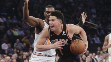 Booker lights up Knicks, burns Kanter on Twitter
