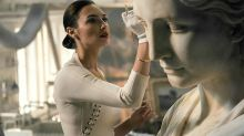"""Gal Gadot teams up with Dwayne Johnson for """"Red Notice"""""""