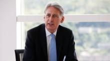 Hammond rebuffs employers' call for customs union after Brexit