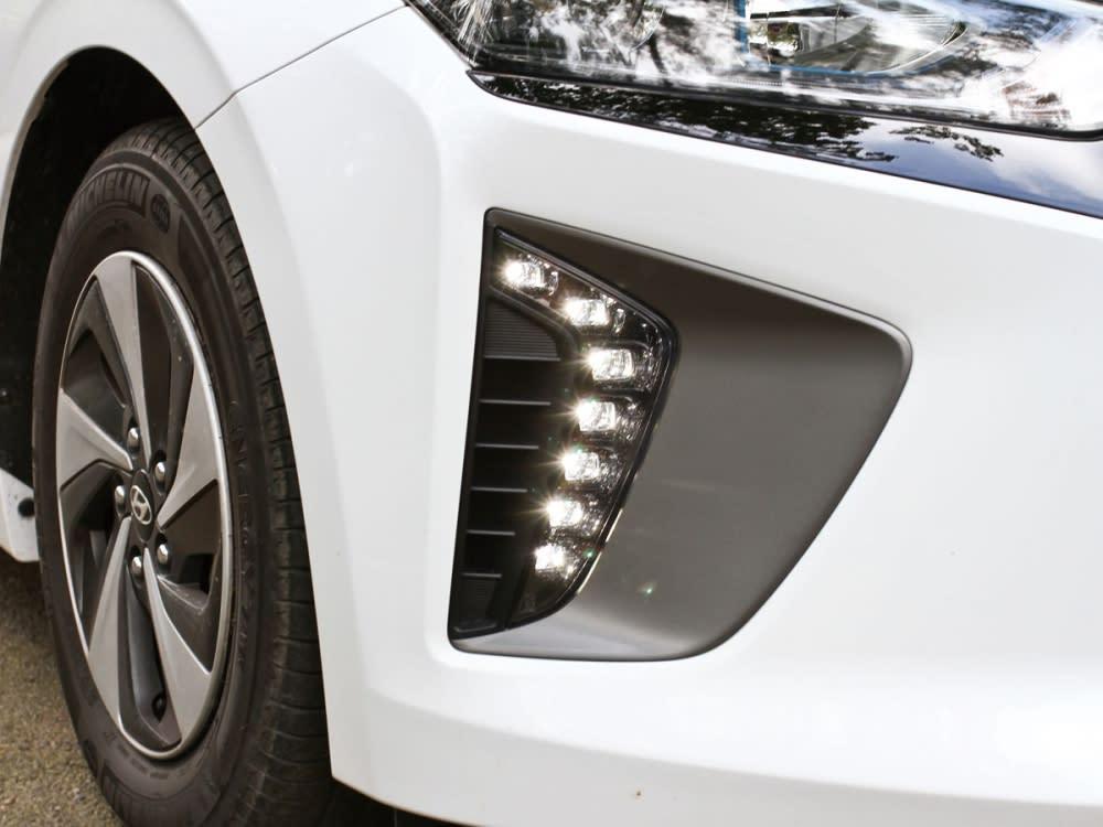 ㄑ型LED日行燈設計讓整體面容更具科技質感。