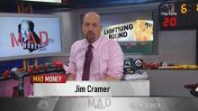 Cramer's lightning round: Medical device stocks tend to w...