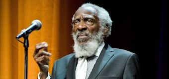 Dick Gregory, comedian and civil rights activist, dies