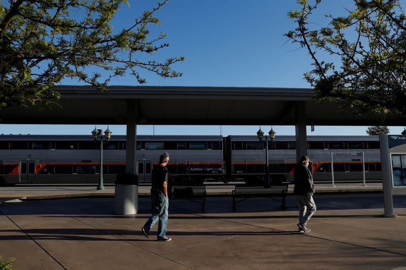 U.S. railroad Amtrak warns of 2,400 additional job losses without new bailout