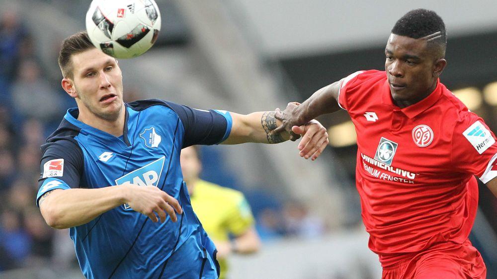 Niklas Süle schaut sich Kopfballspiel von Ramos ab