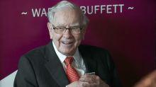 Buffett says Wall Street advice usually favors more deals