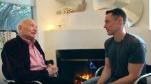 Aos 95 anos, esse bisavô finalmente se assumiu gay
