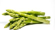 Asparagus Makes ALL Our Pee Smell, Whether You Can Smell It Or Not