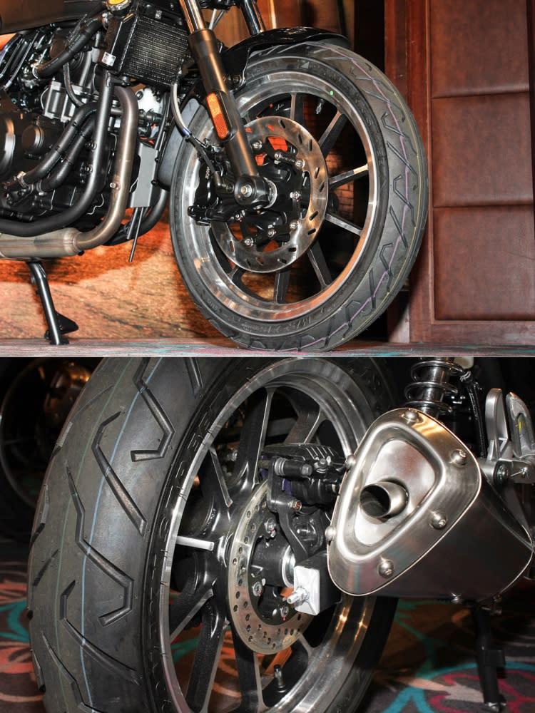 前後煞車系統皆為碟煞規格,前輪碟盤直徑為288mm,搭配對向四活塞卡鉗。