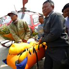 Rescuers retrieve bodies of 3 Indian climbers from Mount Everest