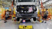 Fabricantes de caminhões estão otimistas com Brasil, mesmo com lenta recuperação econômica