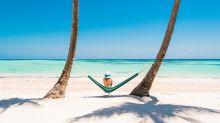 """Vacanze, con le offerte """"al volo"""" si risparmia oltre il 30%. Ma attenti alle trappole"""