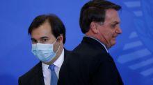 Maia descarta impeachment, mas critica ameaça de Bolsonaro a jornalista