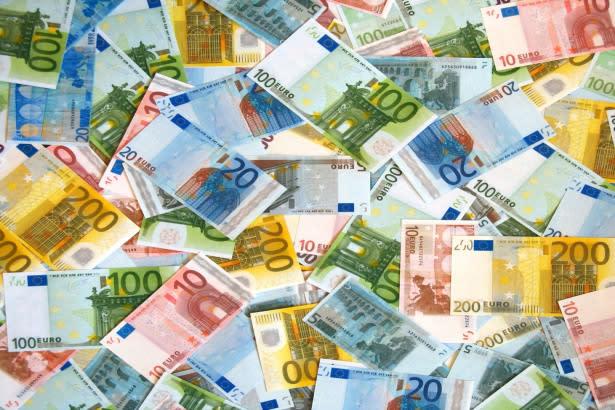 EUR/USD Price Forecast – Euro Reaches Towards Death Cross - Yahoo Finance