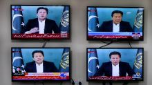 Pakistani opposition to boycott confidence vote for PM Khan