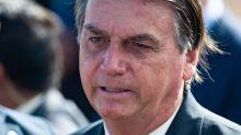Bolsonaro pede a Deus 'comunista' fora do Maranhão e Flávio Dino rebate