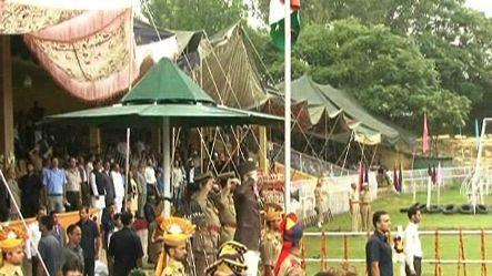 I-Day: Mobile phone services closed in Kashmir