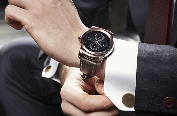 AT&T is bringing LG's Watch Urbane and HTC's Grip to the US