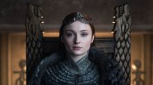 Sansa Stark Is Vaping In Behind-The-Scenes 'Game Of Thrones' Photo