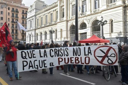 Sindicatos convocan a paro en medio de tensión con el gobierno en Uruguay