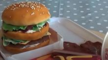 This big mac cake will fool your eyes