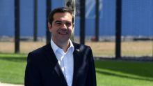 """Standard and Poor's relève la perspective de la note de la dette grecque à """"positive"""""""