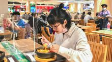 室內社交距離1.5M 數餐廳座位減3成、速食店改桌邊點餐