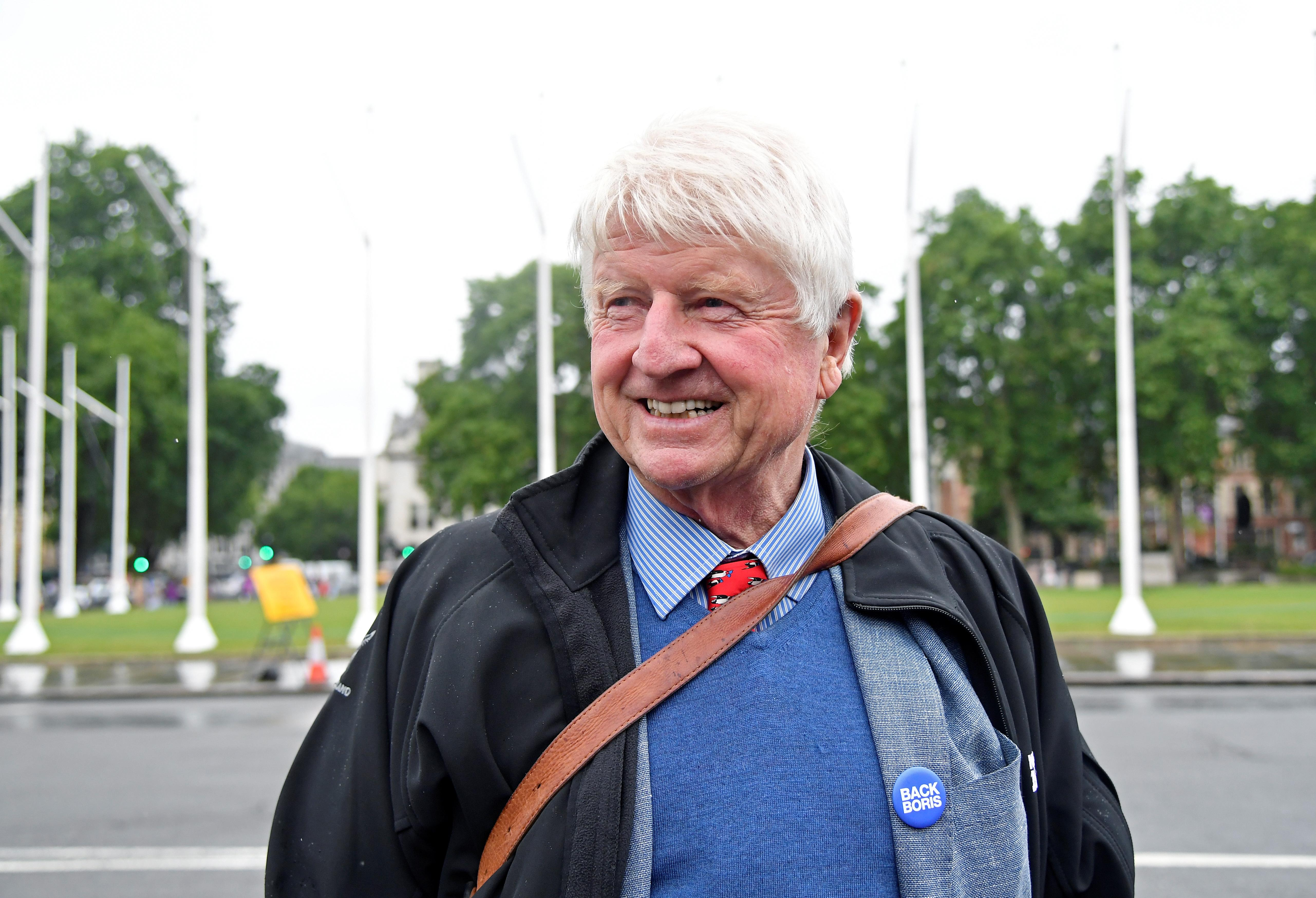Stanley Johnson in awkward TV stand-off for saying female fighter pilots 'shouldn't wear burkas'