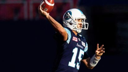 Quarterback Index: Less is more for Mitchell, Ray