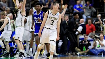Magee's 3-point barrage carries Wofford