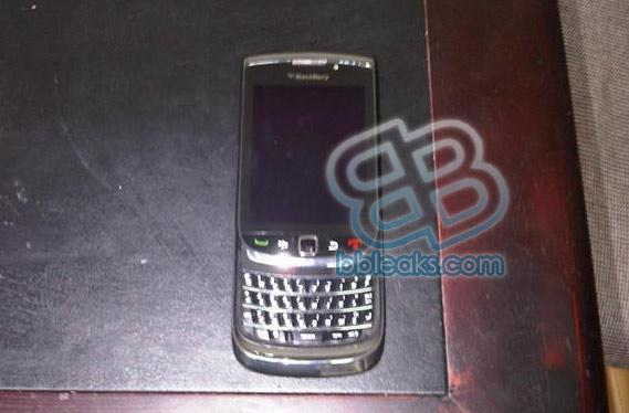 BlackBerry slider photos leak out!