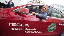 Dieser Mann fährt eine Million Kilometer mit Teslas Model S