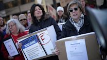 2020 Candidates Vie For The Attention Of Powerful Teachers Unions