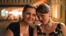 Adriana Esteves e Karine Teles fazem irmãs na comédia dramática 'Benzinho'. Veja o trailer