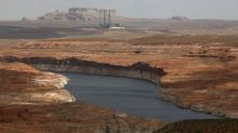 U.S. Interior Department weighs plan to save Navajo coal plant from closing