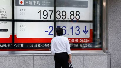Stocks struggle amid new round of US-China tariffs