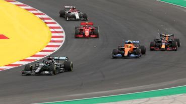 Sainz:極少F1車手能在Mercedes打敗Hamilton