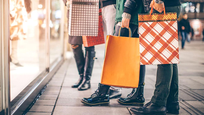 Retail sales slide as cold weather takes toll