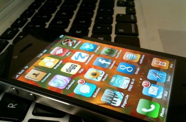 iPhone 4 carrier unlock teased, not released just yet (update: video)