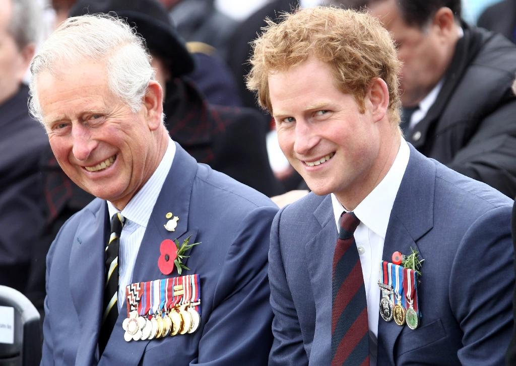 Prince Charles (L) and his younger son Prince Harry attend a memorial service on the occasion of the 100th anniversary of the Battle of Gallipoli in Canakkale on April 25, 2015 (AFP Photo/Adem Altan)