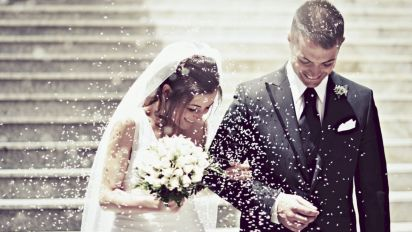 Is the act of 'tying the knot' outdated?